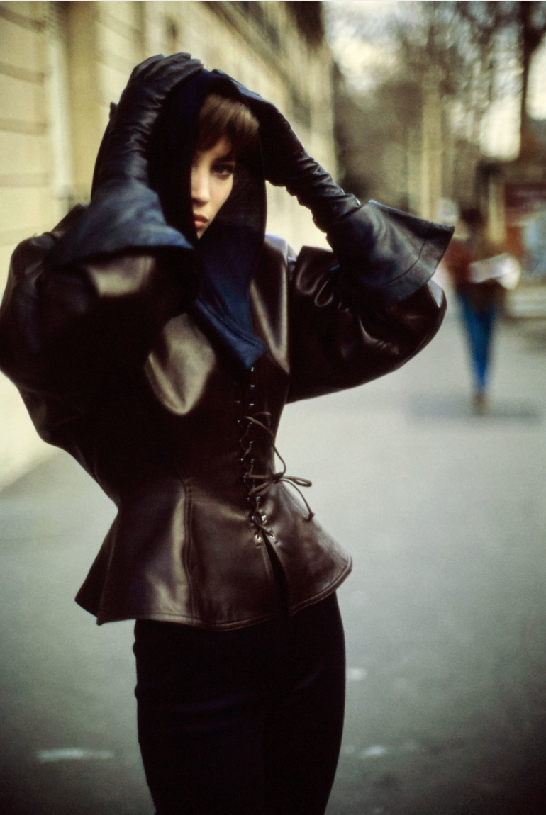 Christy Turlington in Azzedine Alaïa_ by Arthur Elgort