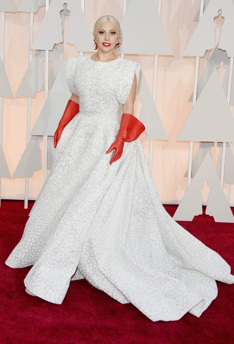 Lady Gaga in Azzedine Alaïa at the Oscars